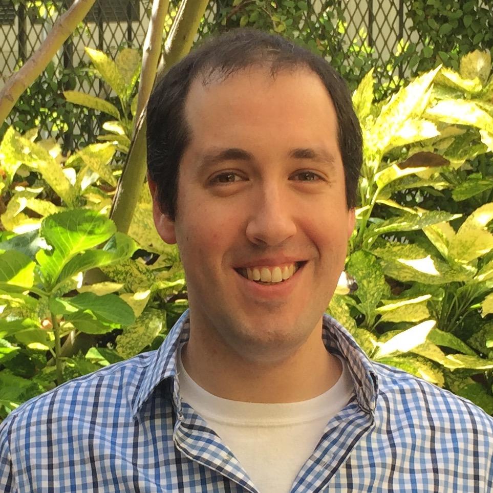 Photo of Ari Schoenholtz, MA